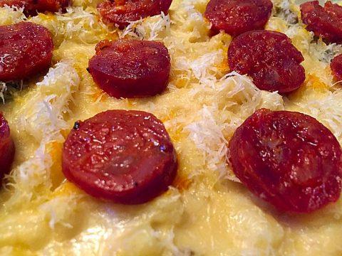 Mac & Cheese (macarrão de forno com queijo e chouriço espanhol)