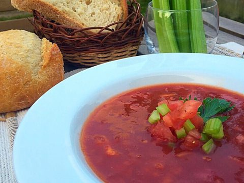 Sopa de tomate tipo Bloody Mary
