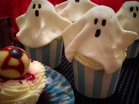 Halloween! Decoração de cupcake com pasta americana de marshmallow